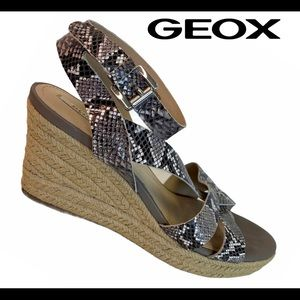 Geox Taupe snakeskin leather wedge espadrilles 39